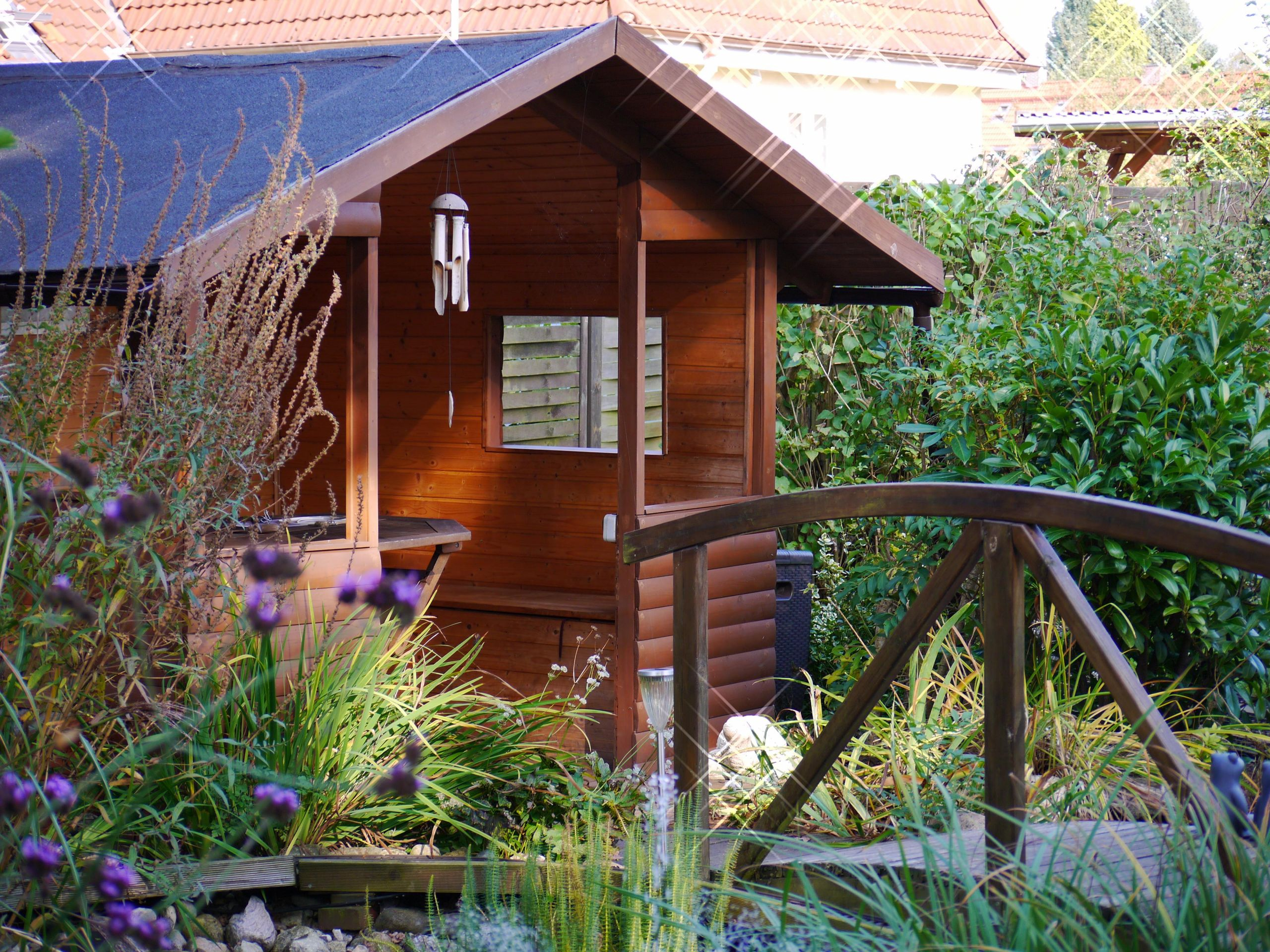 ein schoenes gartenhaus gartenaufbewahrung gartenhaus gartendeko gartengestaltung bruecke outdoor d4010a34 f773 4aa3 bb6f a84e5b