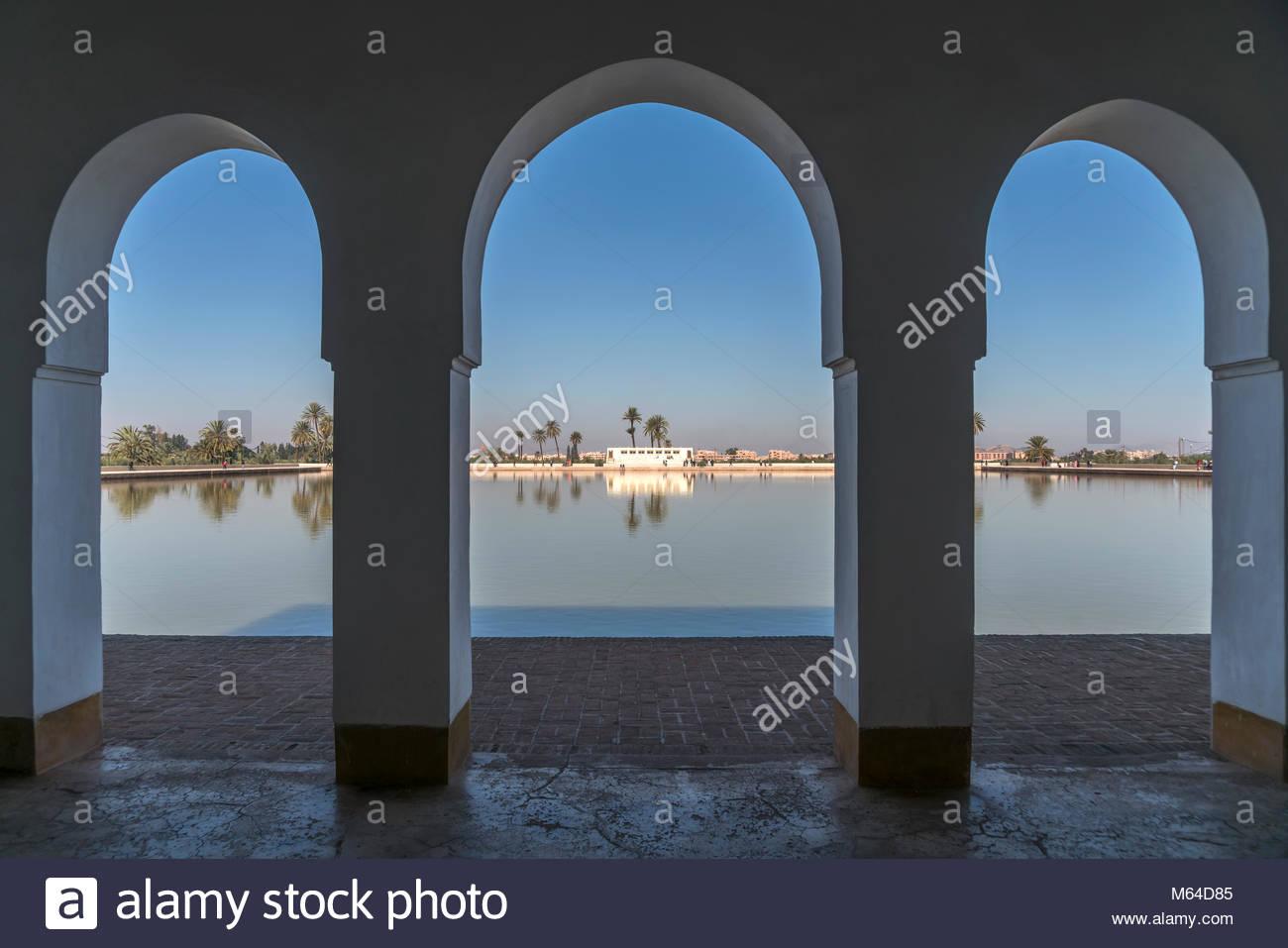 wasserbecken und pavillon im menara garten marrakesch knigreich marokko M64D85