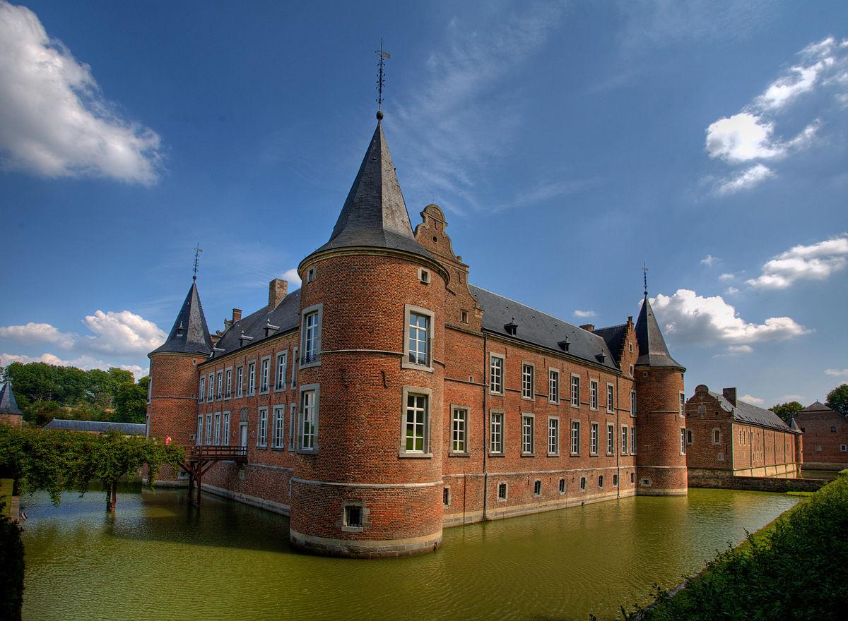 1200px Castillo Alden Biesen Rijkhoven Belgica