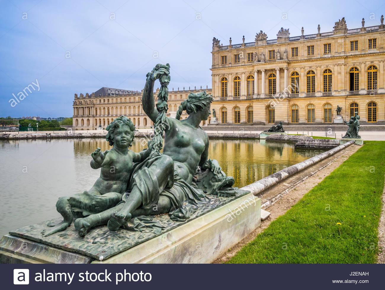 france ile de france palace of versailles parterre deau garden facade J2ENAH
