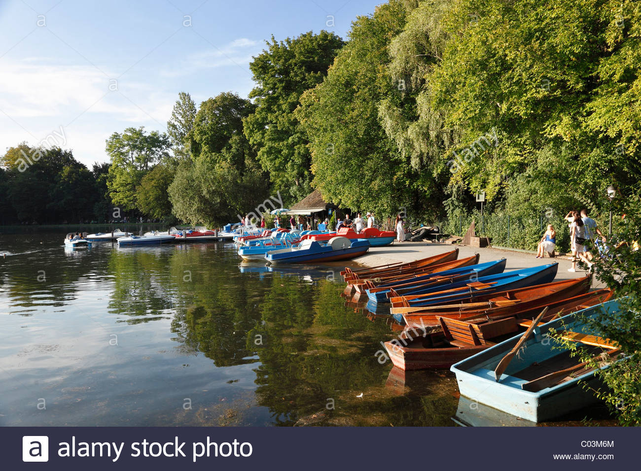 boat rental kleinhesseloher see lake englischer garten park munich C03M6M