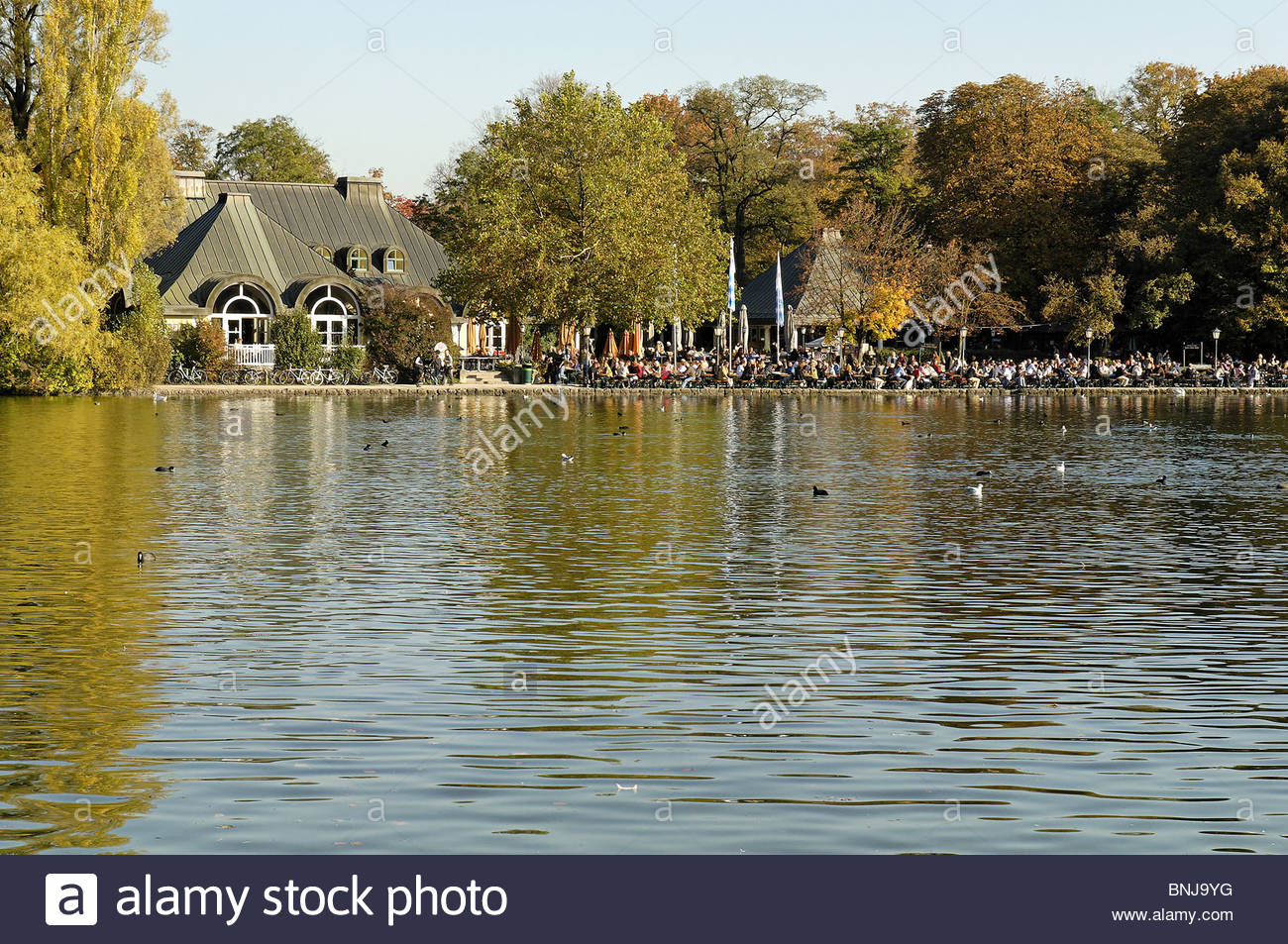 Seehaus Im Englischen Garten Schön Kleinhesseloher Lake English Garden Englischer Garten Munich
