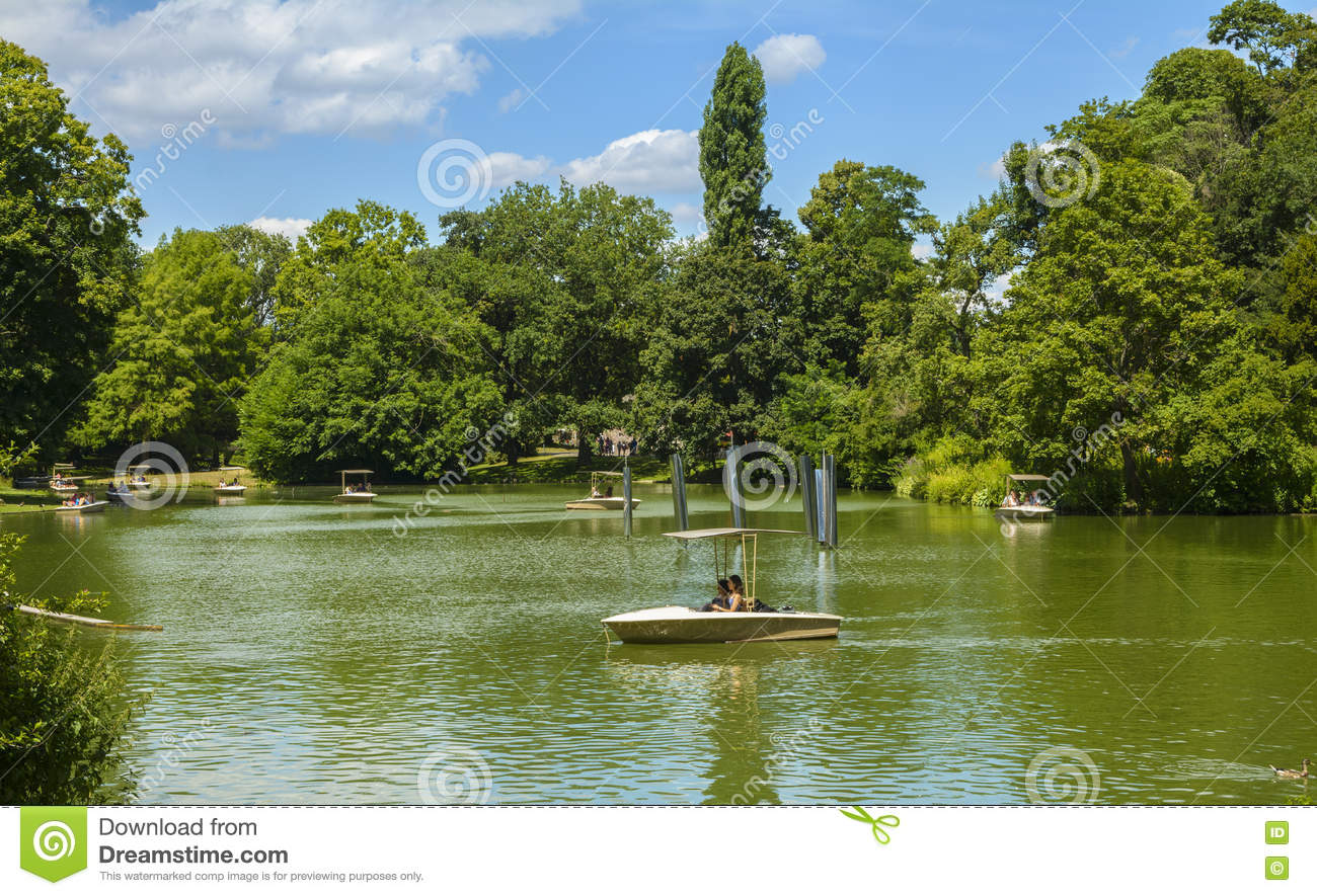 karlsruhe zoo germany unidentified tourists enjoy sunny day boating lake july city gardens stadt gar