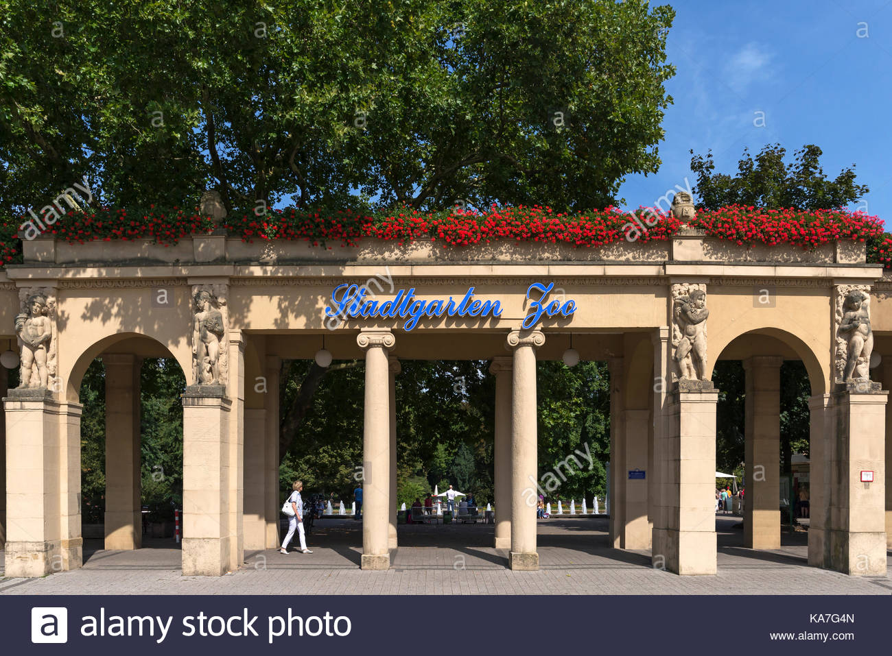 Zoologischer Garten Karlsruhe Neu Zoo Entrance Gate Stock S & Zoo Entrance Gate Stock