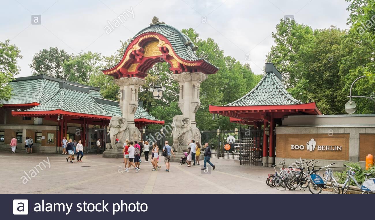 Zoologischer Garten Karlsruhe Schön Zoo Entrance Gate Stock S & Zoo Entrance Gate Stock